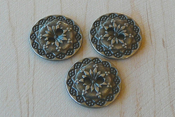 """5/8""""  15MM Antique Silver Woven Domed Leaf Button"""