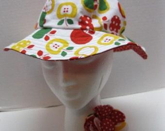 Reversible Women's Sun Hat Red Apples