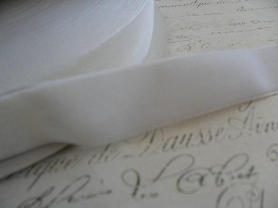 7/8inch Marshmallow White Velvet Ribbon