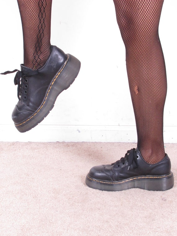 vintage DoC MaRTeN 90s grunge black lace up thick air cushion sole made in england uk 5 usa 7 1/2