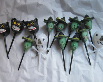 Vintage Plastic Halloween Cake Cupcake Toppers Witches and Ghosts CATS