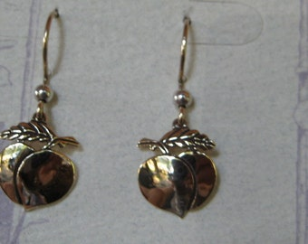 Silhouette Peach Earrings ....   14 kt gold ........................                  e297