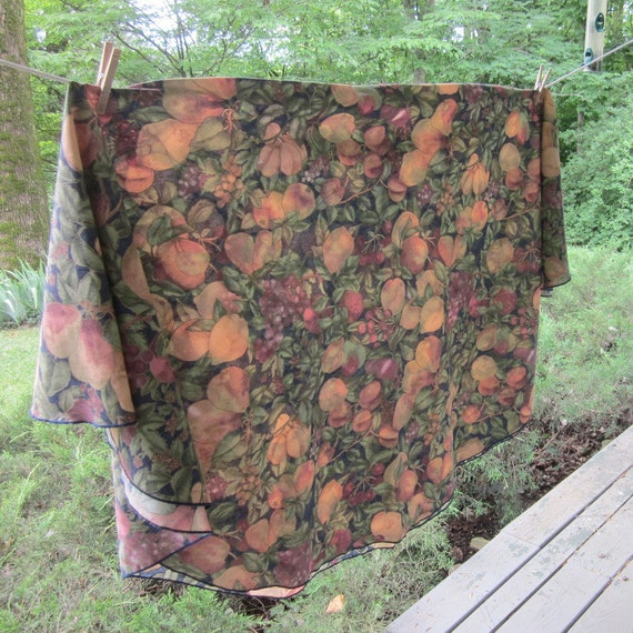 Vintage Round Tablecloth - Gold and Rust Fruit