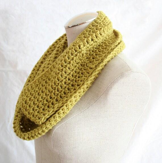 Crochet Cowl in Pea Green - Handmade