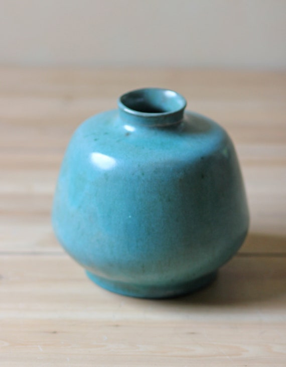 vintage studio pottery vase / turquoise