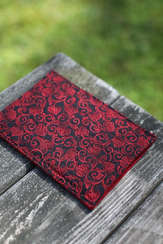 Kindle quilt - black heart
