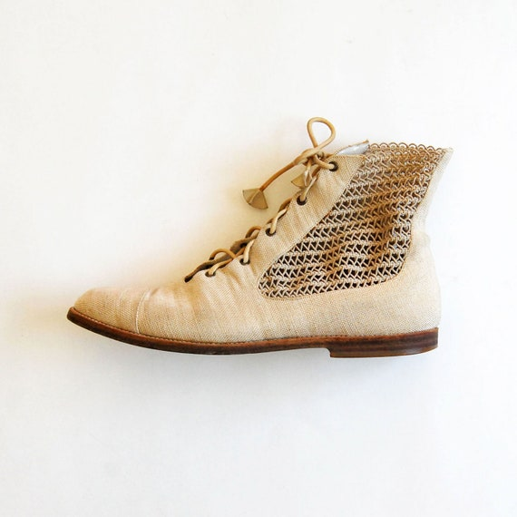 vintage OATMEAL ankle boots /  1980s CUT OUT panel booties