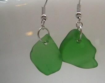 TrAsH gLaSs kelly green tumbled beachglass inspired earrings