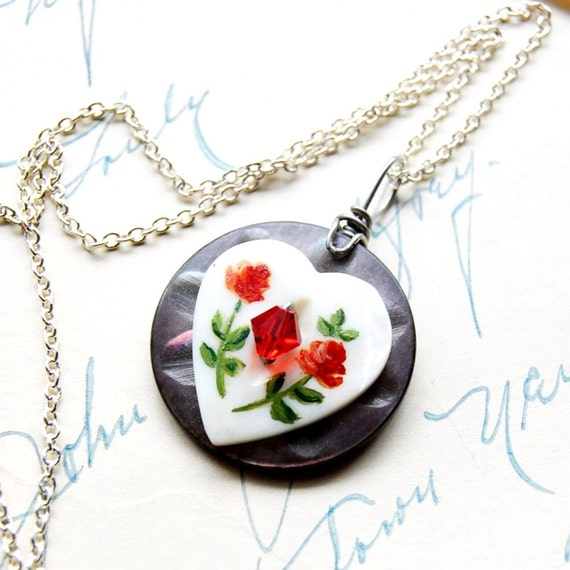 Button Necklace Heart Antique Buttons Jewelry Retro Valentine The Mothering Heart