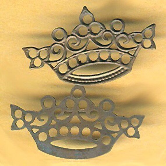 vintage crown brass finding nice patina, easily attachable, two pieces