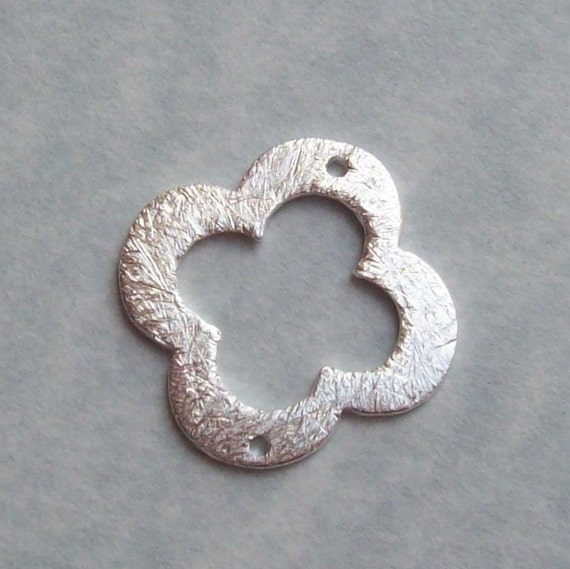 17mm Clover Quatrefoil Shaped Bali Bright Sterling Silver Brushed Texture Loop Connector Rings Links (2 beads)