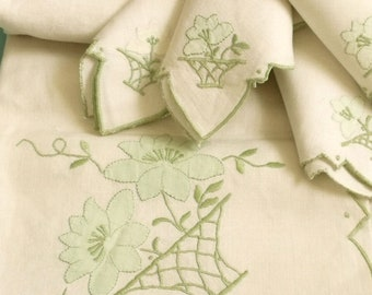 Vintage linen Flower Basket embroidered tablecloth set