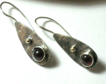 Garnet Earrings, Sterling Silver earrings dangle, Garnet Drop Earrings, Red Garnet Earrings,Gemstone Earrings,January Stone,Gemstone Jewelry