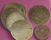 Close Out  10 pcs of Antiqued brass flat round - 26mm
