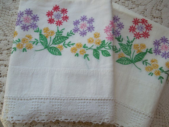Set 1950's Flower Embroidered Pillow Cases Standard Size