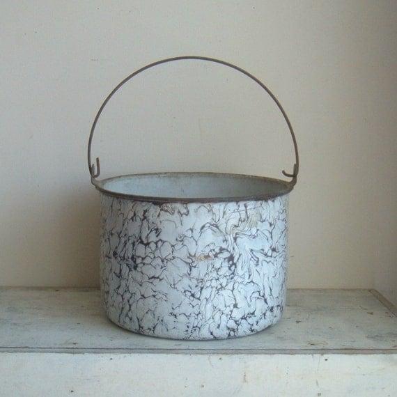 SALE vintage marbled graniteware pot or bucket