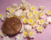 50 Vintage Japanese Mini Daisy Cabochons 6mm
