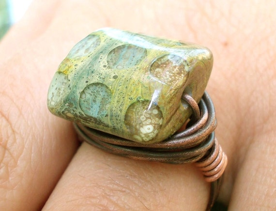 Wire wrapped copper ring Earth Crust Windows, lampwork glass bead handforged rustic hammered primitive Nature Inspired Jewelry Jewellery
