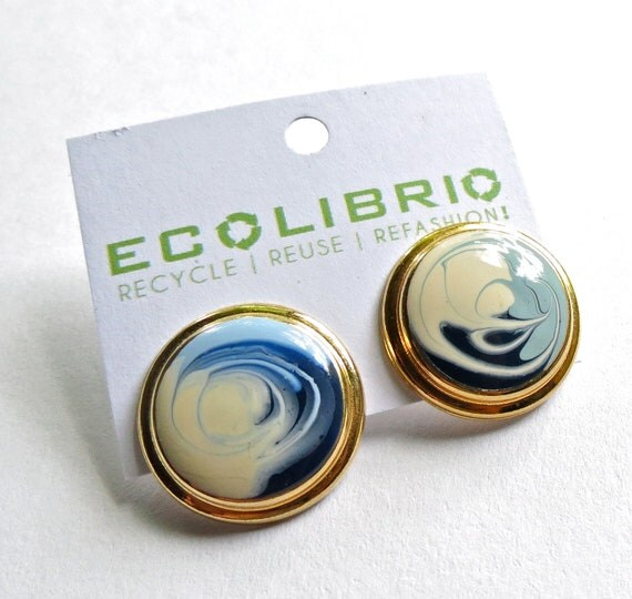 Large button earrings Vintage Stud earrings eggshell white blue Round post earrings Ocean Earrings Swirl earrings