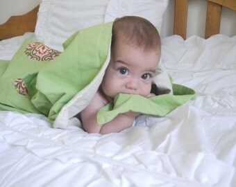SALE - Bamboo Blanket for Baby / Toddler Girls - Lime Green, with Retro Floral Center