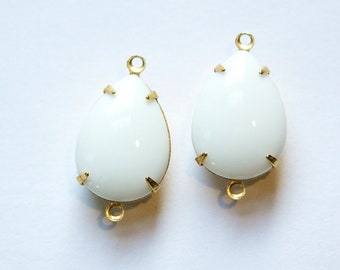 Vintage Opaque White Glass Teardrop Stones 2 Loop Brass Setting 18x13mm par004LL2