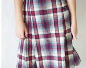 Vintage Skirt - School Girl Plaid Wool 1960s - Size Medium