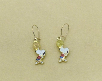 Aviva Vintage Snoopy Basketball Jumpshot Earrings 0060