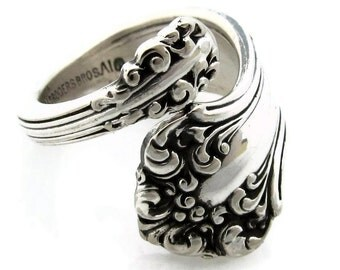 Demitasse Spoon Ring Size 5 - 8 1901 Avon