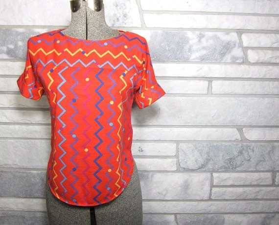 Vintage Top, 80s, Gianna Bellini, ZigZags, Polka Dots, Coral Red, Purple, Mustard Yellow, Turquoise Blue, Berry, Boat Neck, Rounded Hem
