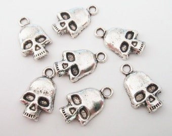 10 Skull Charms 19x12mm ITEM:AI3