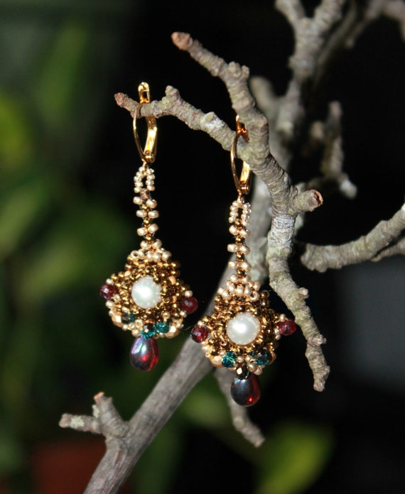 Freshwater pearl and garnet earrings - Pearl garnet crystal beaded gold earrings  - Splendor Moon