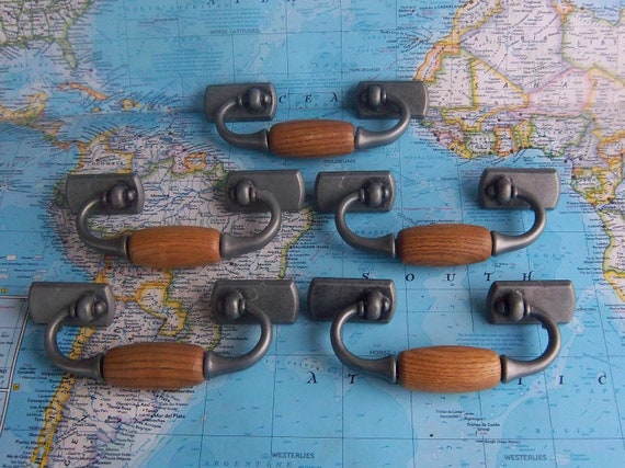 5 wood and pewter tone metal pull handles includes hardware