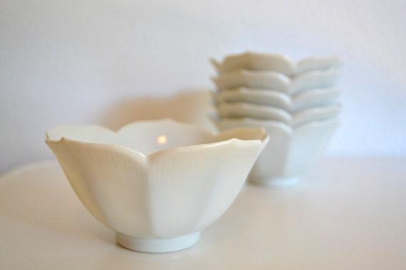 White Lotus Fruit or Dessert Bowl - Set of 6 Bowls (Japan)