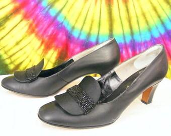 Size 6.5 vintage 60's black leather DELISO DEBS heels pumps shoes