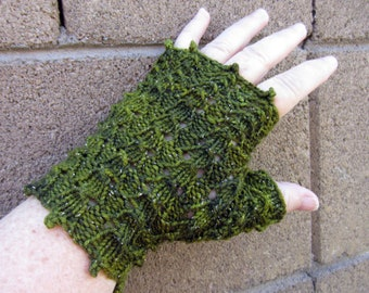 KNITTING PATTERN Dragon's Paws Lace Fingerless Gloves for Knitting
