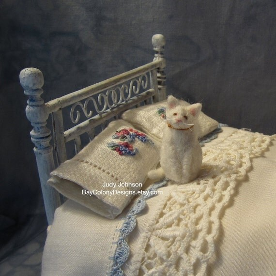 PLACE an ORDER for a Mini Dollhouse Kitty 1:12 scale (91412-DH)