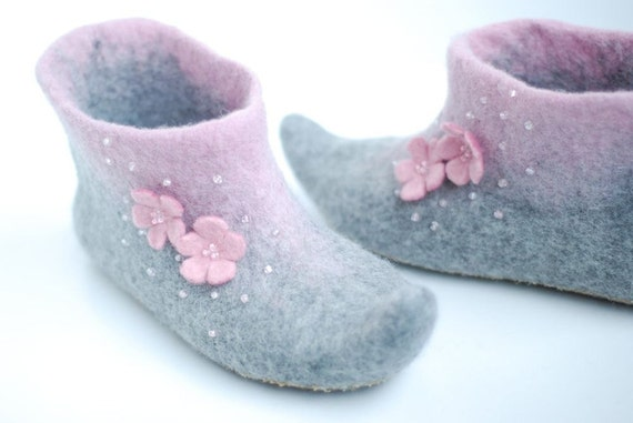 Ready to ship- Felted slippers Alice in grey&candypink size 36,5 US6