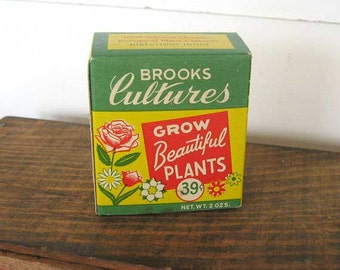 Vintage  1960's Brooks Cultures Organic Plant Food Advertising Box Unused, Pownal, ME, Green, Yellow, Red, Vintage Plant & Seed Advertising