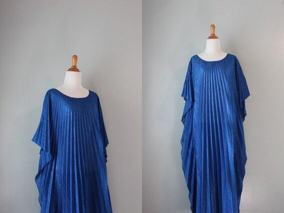 Vintage 70s Dress / 1970s Kaftan / Sunray Pleated Lurex Dress