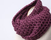 Infinity Scarf, Chunky Scarf, Loop Scarf, Purple Scarf, Neck Warmer, Circle Scarf, Chunky Snood, Cowl Scarf, Crochet Scarf, Winter Scarf