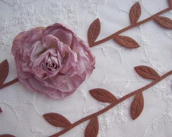 2 yds Brown Leaf Trim on a Vine Scrapbooking Quilts Clothing Bridal Embellishment