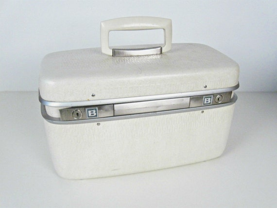 vintage cream train case