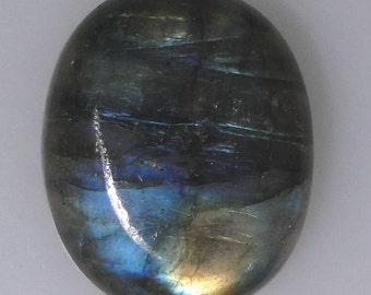 Labradorite oval cabochon, gold and blue color flash, 36.64 carats                          043-10-608