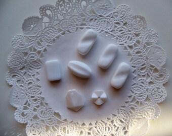 Vintage WHITE ACRYLIC Beads/Chiclets/White Mixed Lot Beads/Acrylic White Beads/Wavy White Beads/White Focal Beads/Vintage White Beads