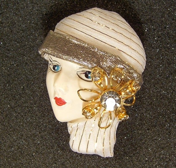 Matilda - Lady Face Pin Brooch Woman Head Porcelain-Look Resin