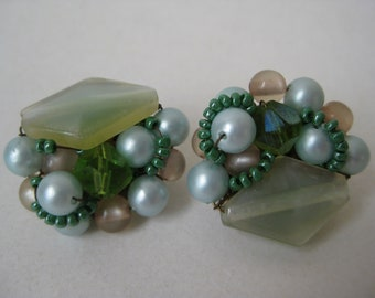 Green Cluster Earrings Clip Vintage Pearl