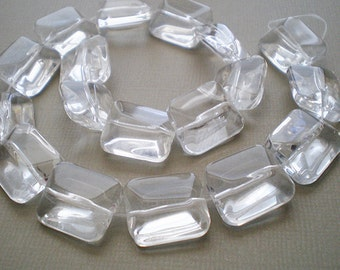 8pcs - 17x15mm Faceted Clear Glass beads