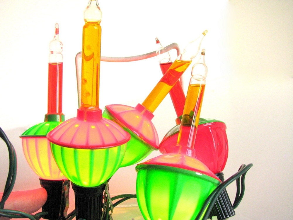 Retro Christmas String Lights : String of Vintage Christmas Bubble Lights