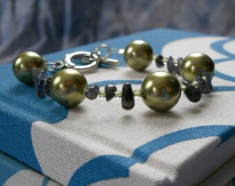 Mermaid Tears bracelet - green Swarovski pearls, peridot, blue/violet iolite