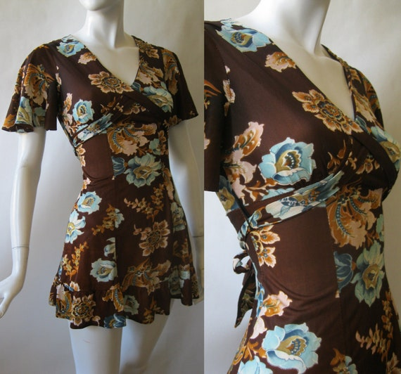 1970's wrap sash v-neck mini dress in dark brown with blue and light brown floral print and butterfly sleeves, extra small